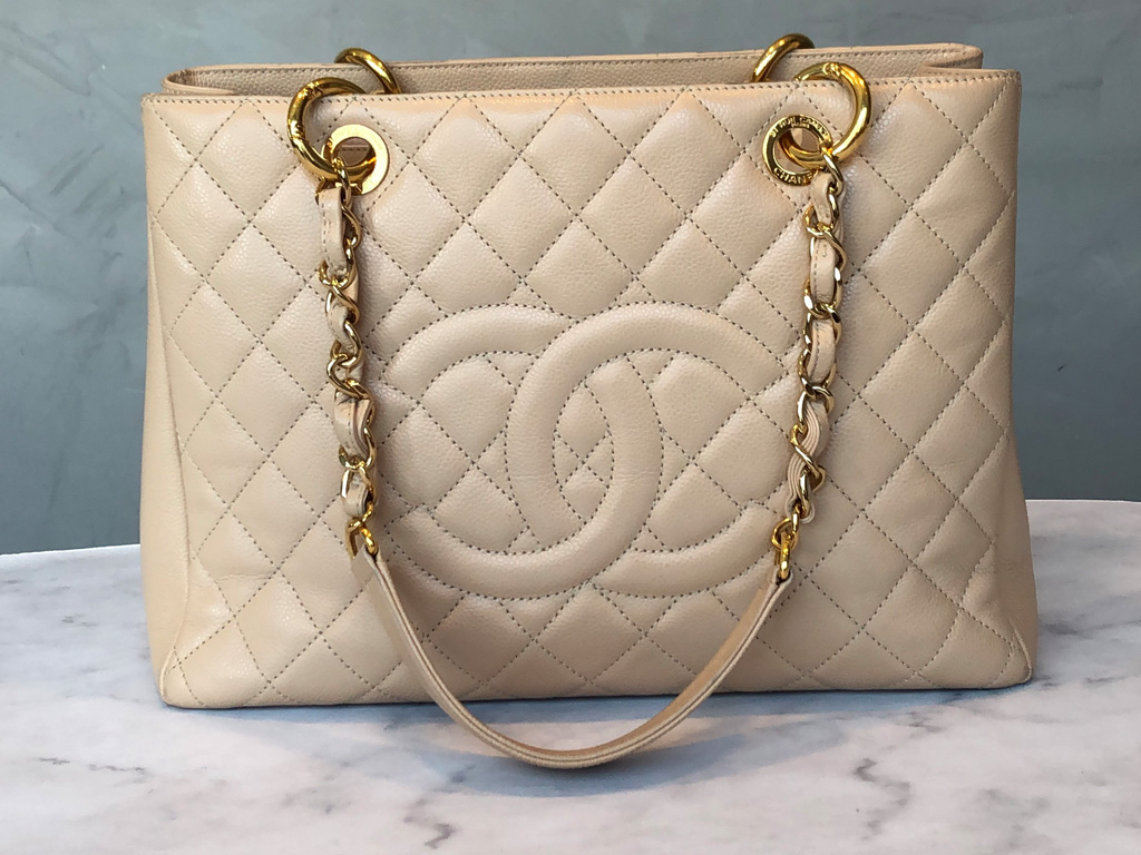 Modelo de bolsa Chanel Grand Shopping Tote.